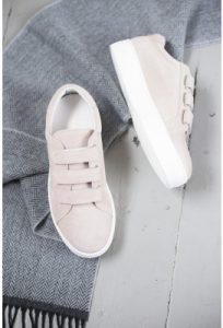 stylish womens trainers